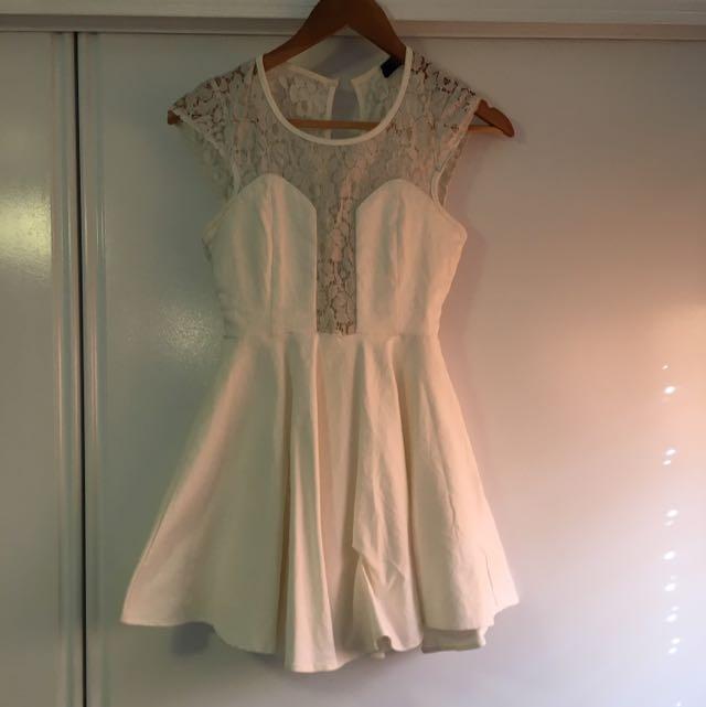 White Lace Paper Heart Dress, Size 8