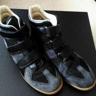Maison Martin Margiela: Velcro High Tops Sneakers