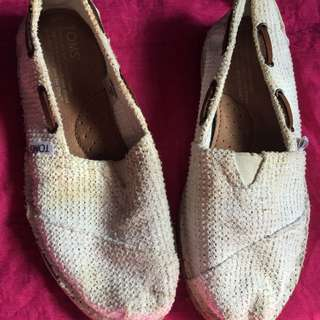 Toms slip on white