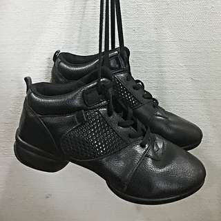 Black Modern Dance Jazz Shoes - Split Sole (Size 7)