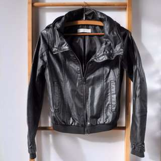 Size S (6 - 8) | GIORDANO Leatherette Jacket with Hood