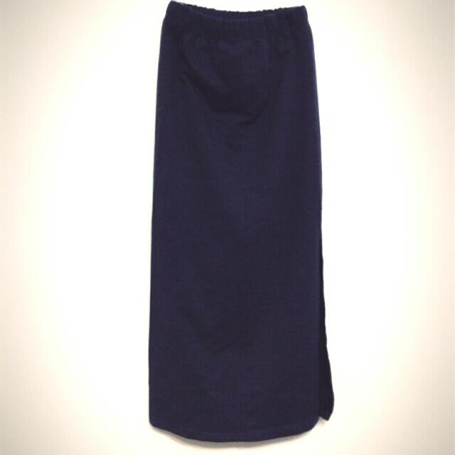 無印質感側邊開衩設計長裙