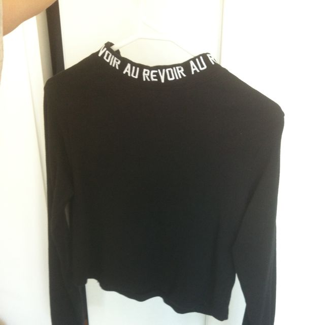 """Au Revoir"" Collar Crop Long Sleeve"