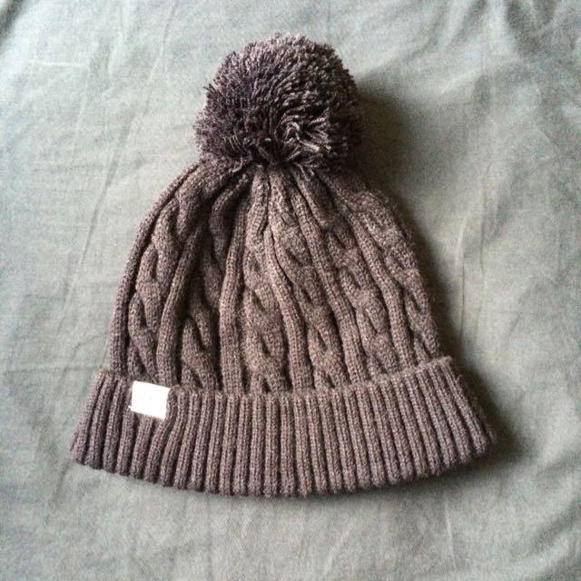 Black Pom Knit Beanie