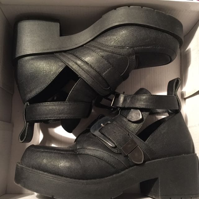 Fume Ankle Boot Size 7