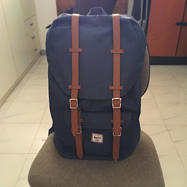 Herschel Little America Bag(Authentic)
