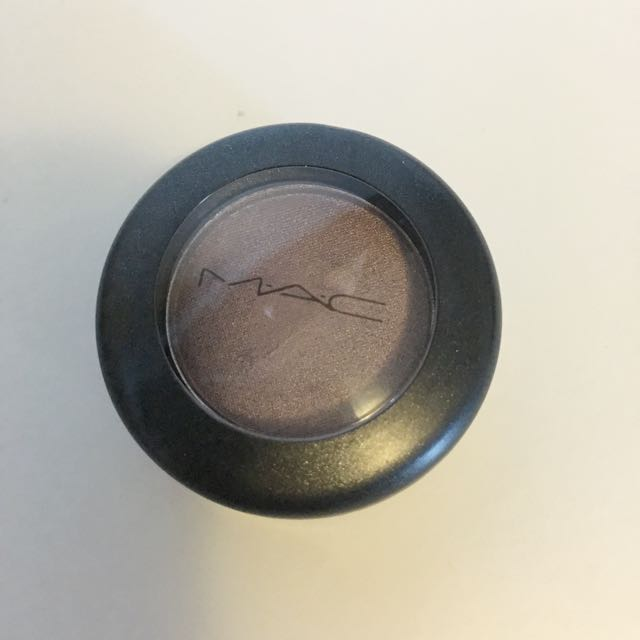Mac Eyeshadow - Satin Taupe