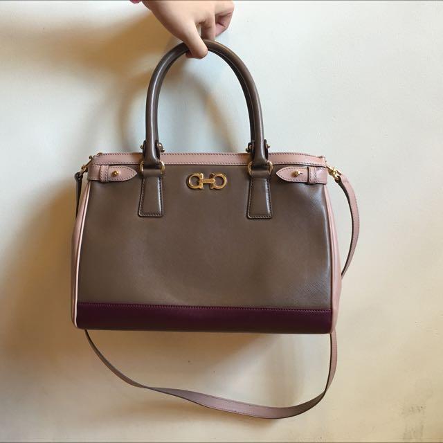 Salvatore Ferragamo Batik Tissu Soft 2-Way handbag d87ea86b6860c