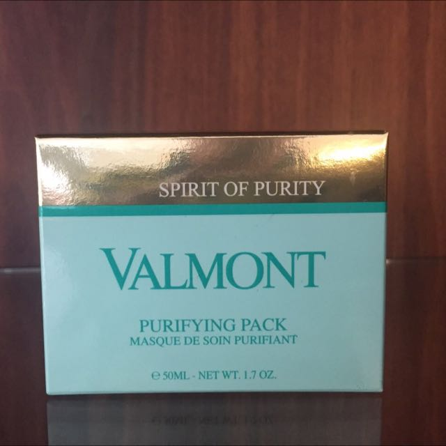 Valmont Purifying Compact