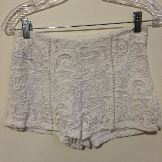 Whit Lace Shorts Forever 21