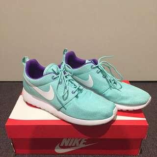 Nike Turquoise Roshe