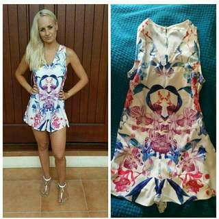Playsuit Floral Size 12 / L