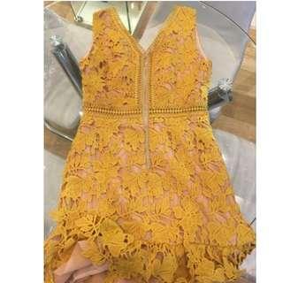 薑黃色 超美氣質顯白 V領雕花蕾絲 鏤空無袖洋裝 S