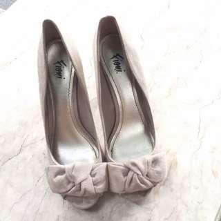 (GOOD AS NEW) Fioni Peep-Toe Nude Heels