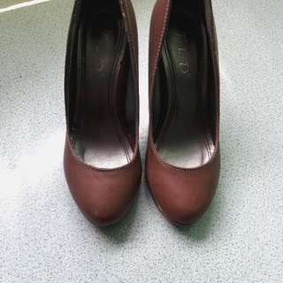 Fladeo Heels Brown