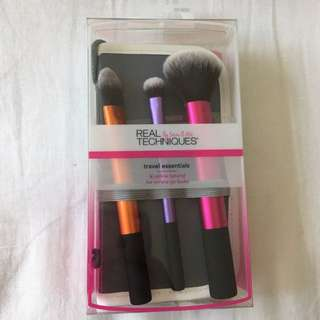Real Techniques Travels Essential Brush Kit