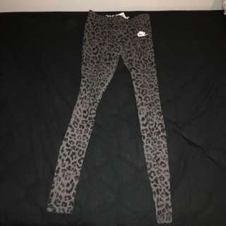 Nike Women's Leopard Tights