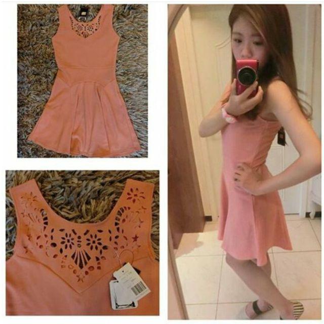 粉紅傘洋裝