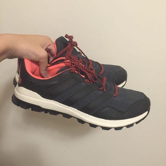 adidas running 慢跑鞋