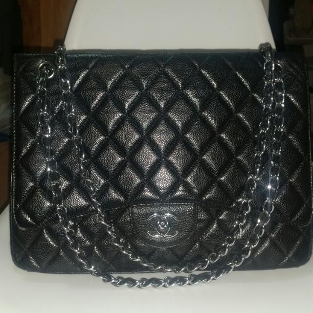 Chanel Maxi Flap (Replica)