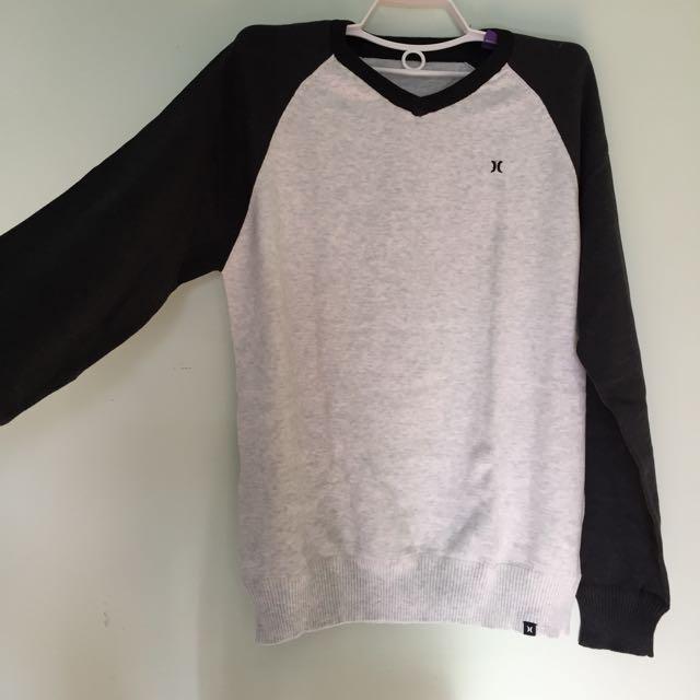 Hurley Warm Stylish V-neck Sweater
