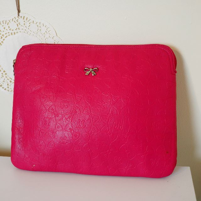 Kate Hill 15-inch Hot Pink Laptop Bag
