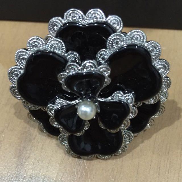 Mimco Flower Ring