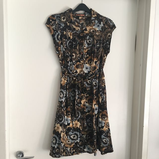 Size 10 Winter Floral Dress
