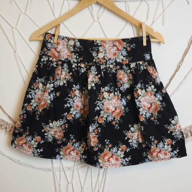 Size 8 Black and Pink Floral Skirt