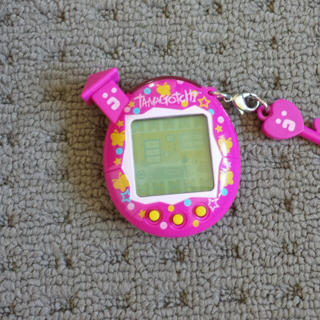 Tamagotchi Pink Bandai 2004