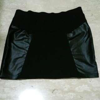 SENSE Black Skirt