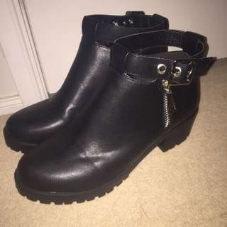 Size 41 Brand new Black Boots