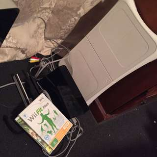 Wii Console + WiiFit + Board + Sims Castaway