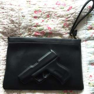 Gun Clutch Bag (guardian Angel Tote) Vlieger & Vandam