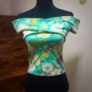 Off-shoulder floral print top