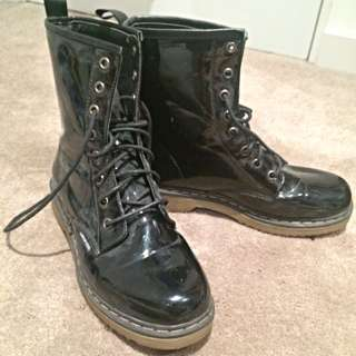 London Rebel Black Hightop Boots