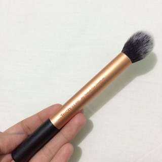 BOOKED // Real Techniques Contour Brush