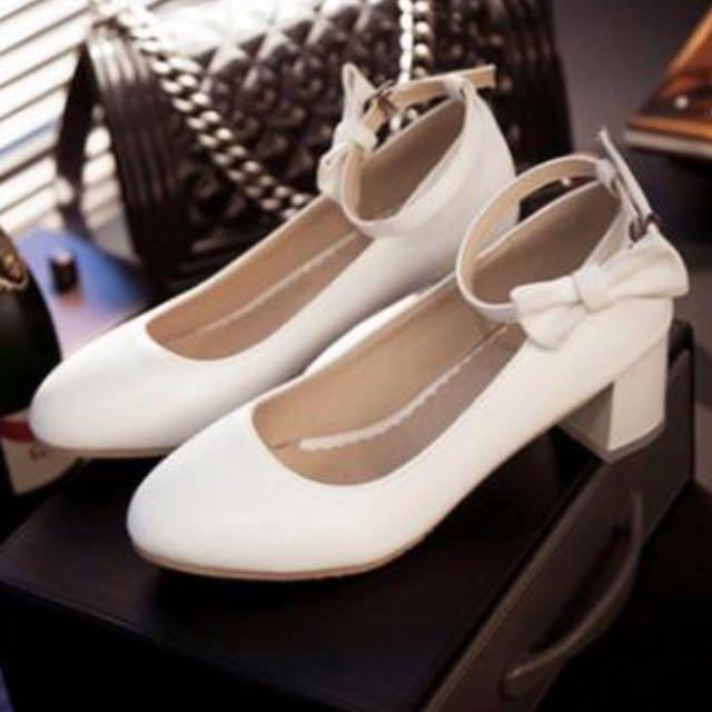 全新 大尺碼42 26白色低跟蝴蝶扣鞋