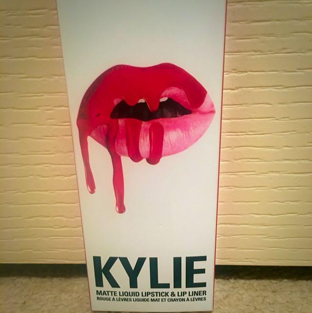 Kylie Jenner Matte Liquid Lipstick&Liner