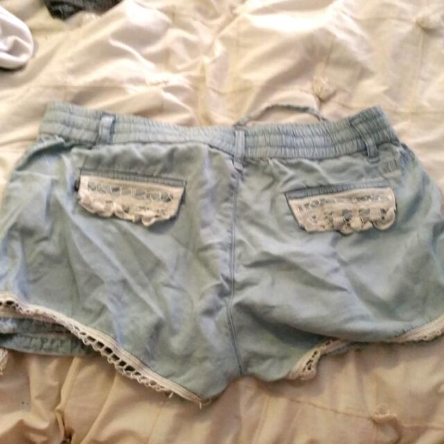 Lacey Shorts Size 10 / M