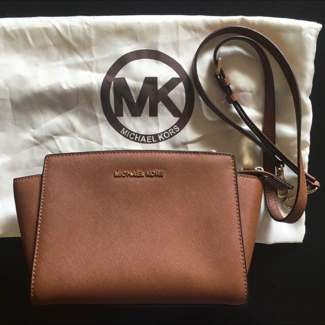 Michael Kors Selma Cross body Bag (PRE-LOVED)