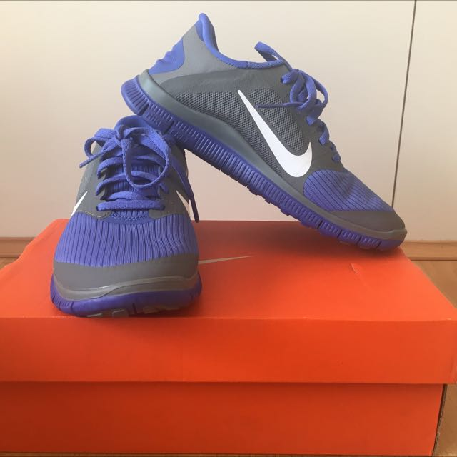 REDUCED PRICE! Nike Free 4.0 V3 Running Sneakers