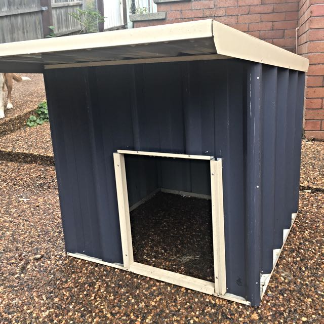 Outdoor Dog Shelter
