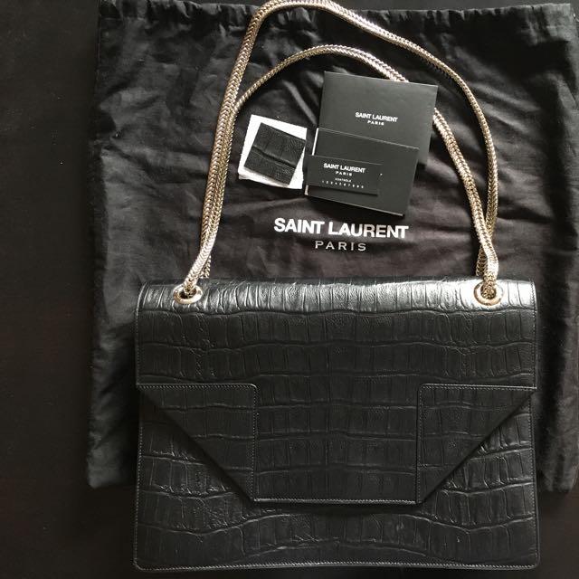 PRE-LOVED Saint Laurent Medium Betty Bag