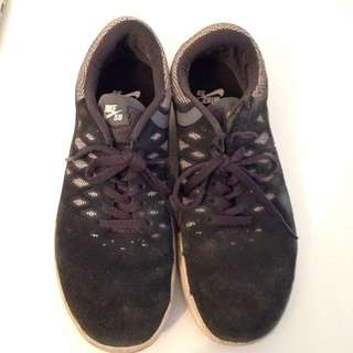 Nike SB Sneakers Men's Size 7, Women's Size 8.5