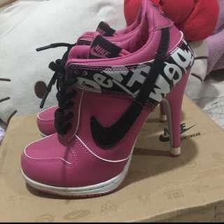 (正品)限量Nike高跟球鞋