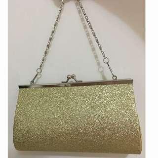 金色鐵鍊袋