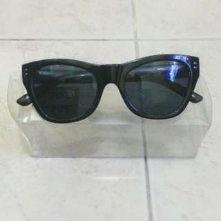 Sun Glasses By MNG