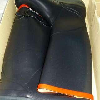 (已售出)原裝正貨女裝Aigle 水靴,有原裝盒,九成半新淨