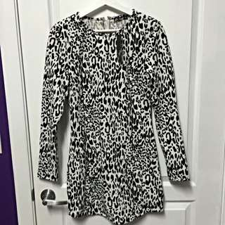 Chicabooti White And Black Leopard Print Long Sleeve Dress